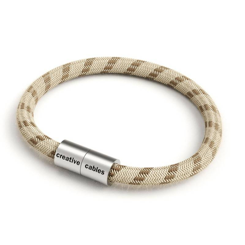 Bracelet with Matt silver magnetic clasp and RD53 cable