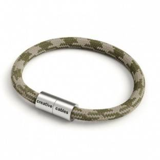Bracelet with Matt silver magnetic clasp and RP30 cable